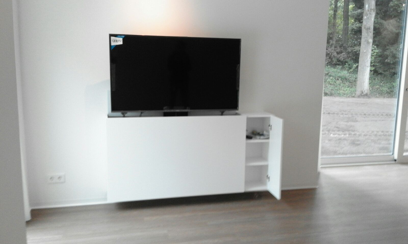 Tv Kast met lift Strak Zwevend - Luuks Design
